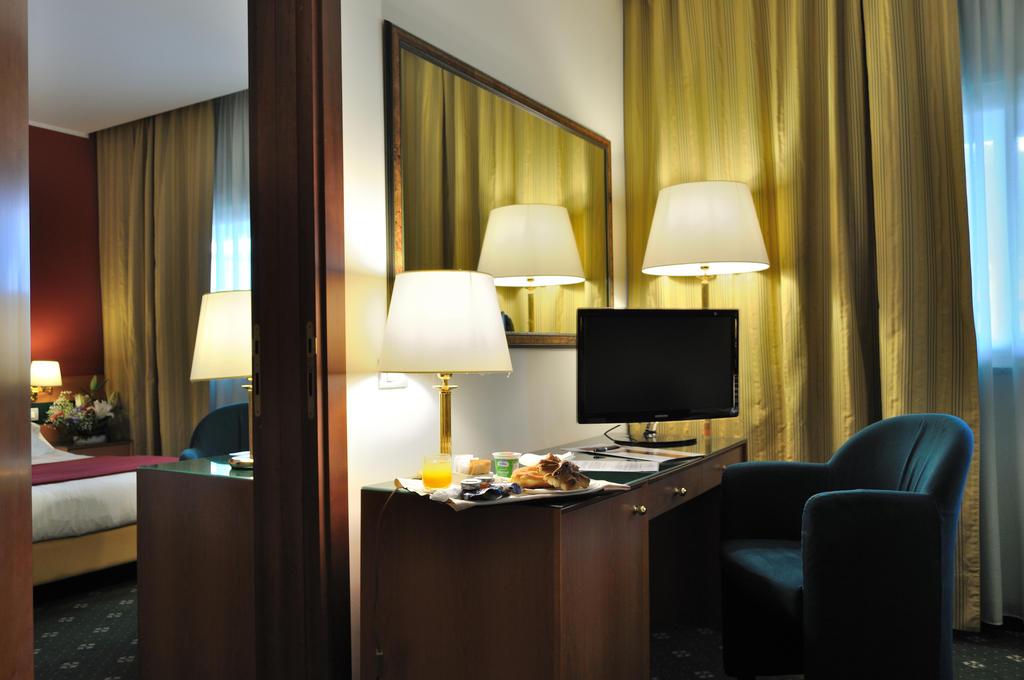 هتل اولی رم