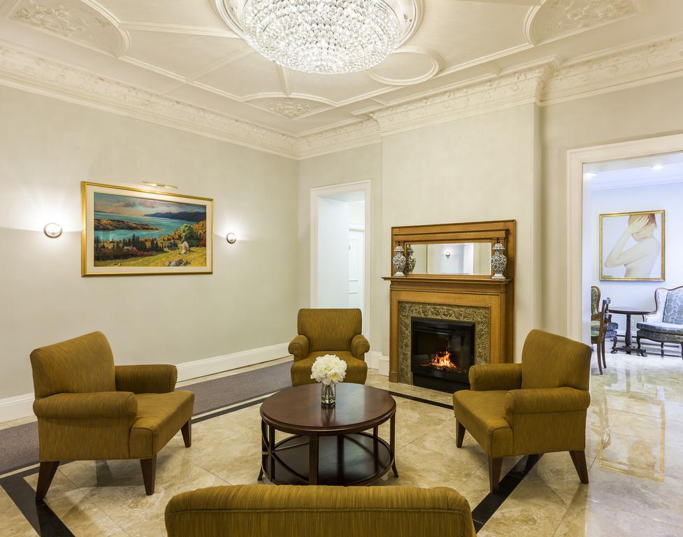 هتل شتو ورسای مونترال