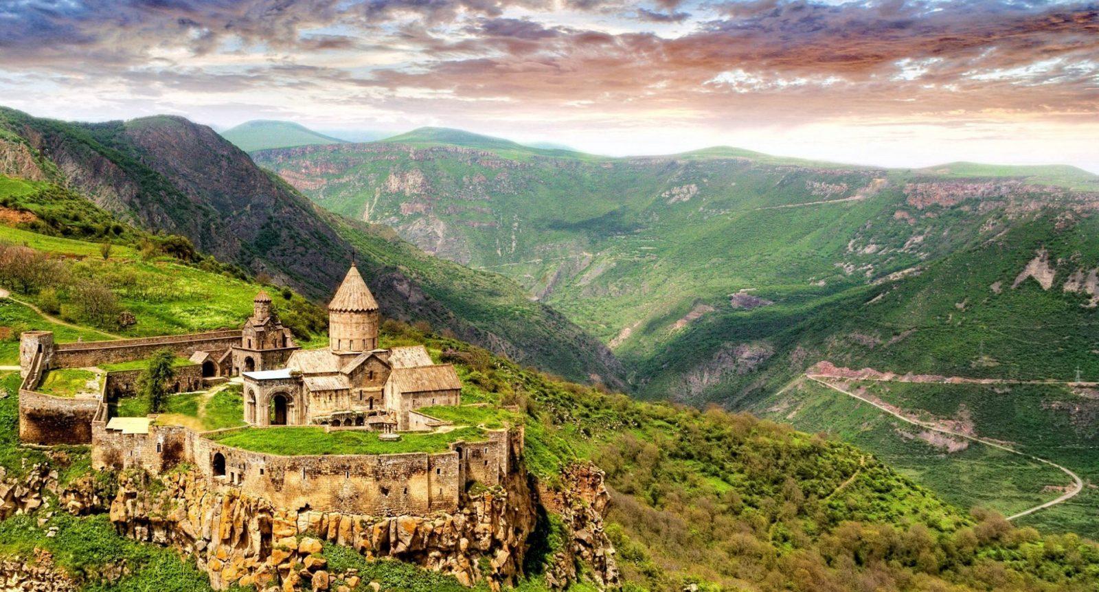 چرا باید به ارمنستان رفت