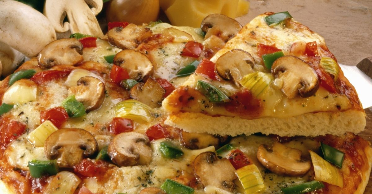 پیتزا ایتالیایی و آمریکایی