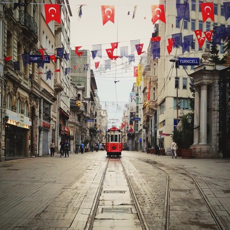 3 کاری که باید در خیابان استقلال انجام دهید