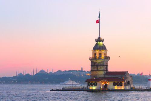 تردد بین قسمت آسیایی و اروپایی استانبول