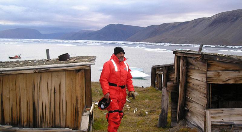 فقط این کلبه در سرمای قطب دوام آورده است