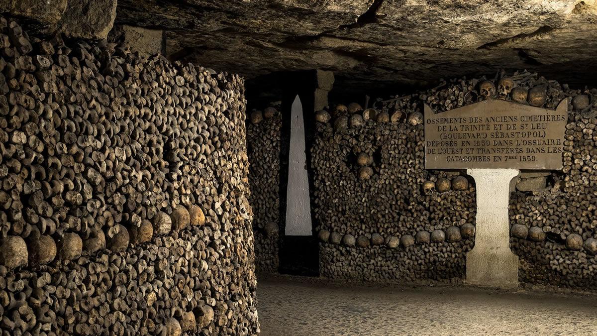 گردهمایی مردگان در پاریس