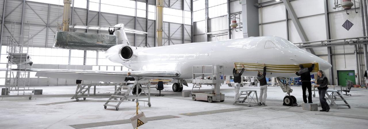 هواپیما چرا سفید است