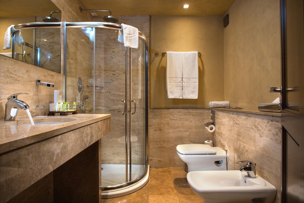 رزلین تراشیا هتل صوفیا