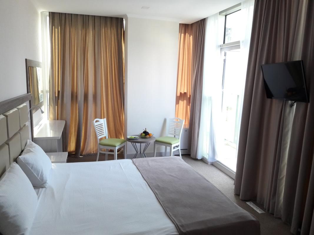 هتل گرین گلس باتومی