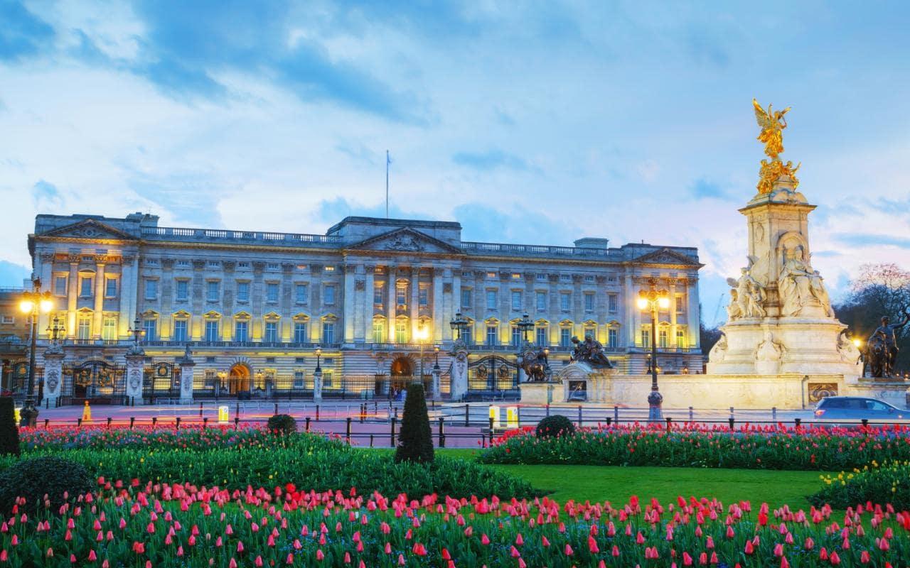 کاخ باکینگهام لندن