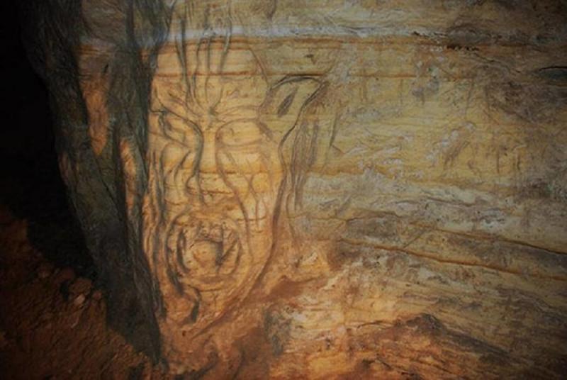 غار گلوی شیطان