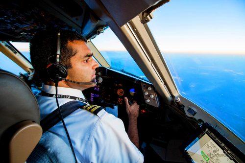 سلبریتیهایی که مدرک خلبانی دارند