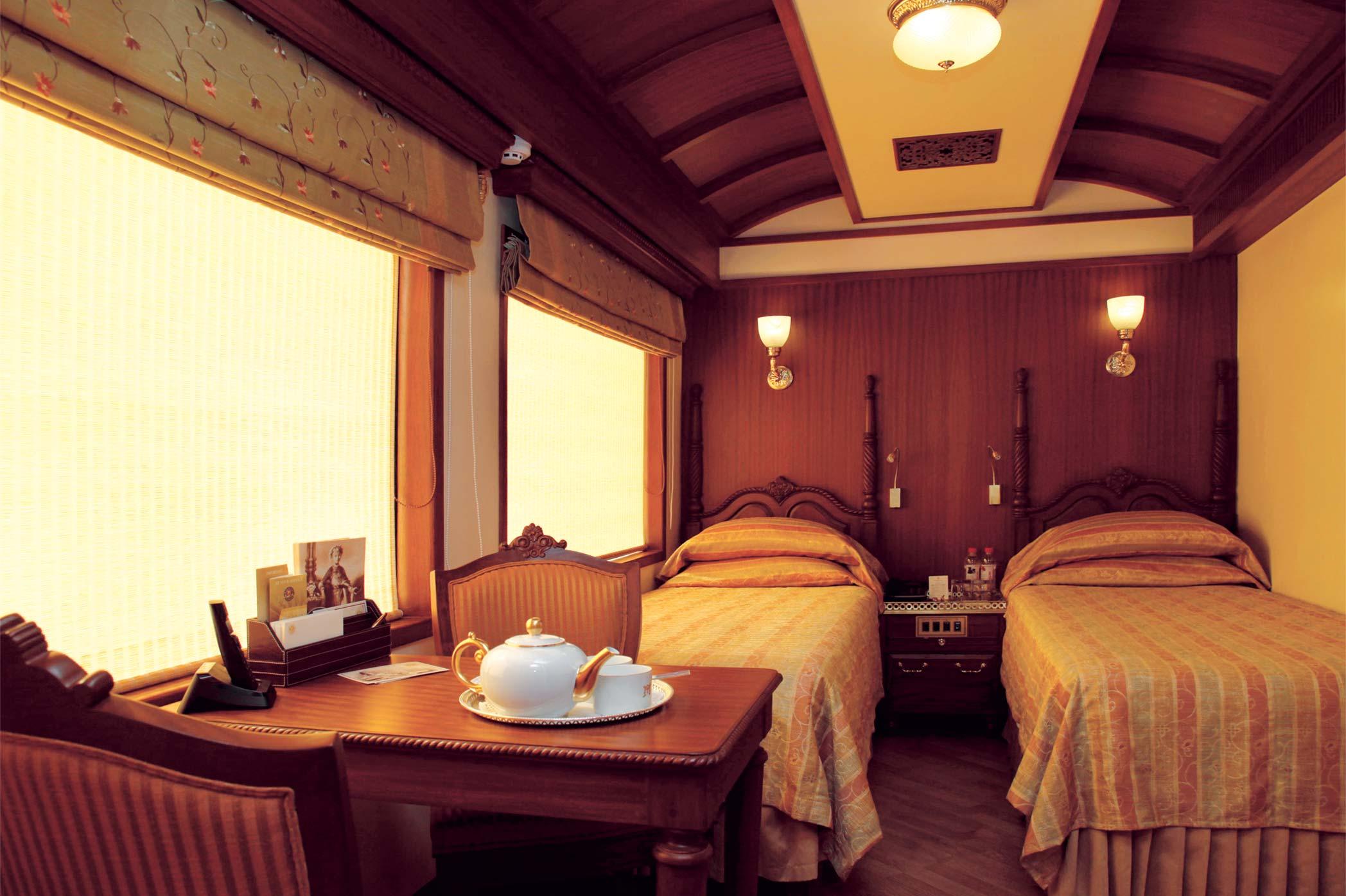 قطار سریع السیر مهاراجه جیپور