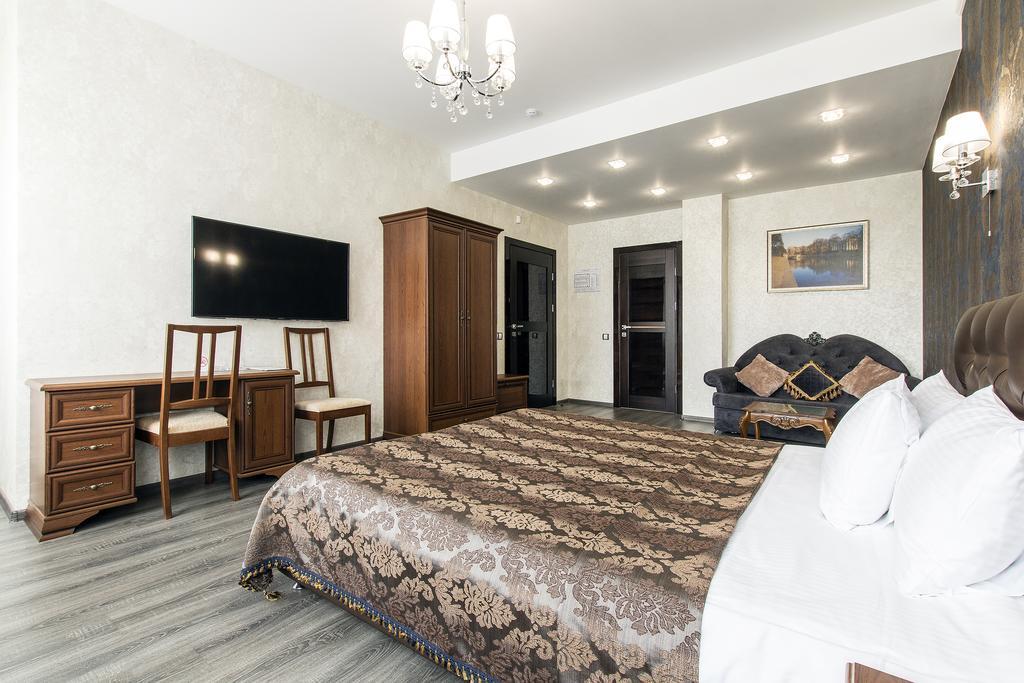 هتل کرونا سن پترزبورگ