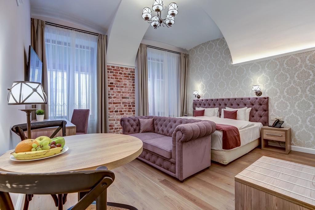 پاول اپارتمانتز بوتیک هتل سن پترزبورگ