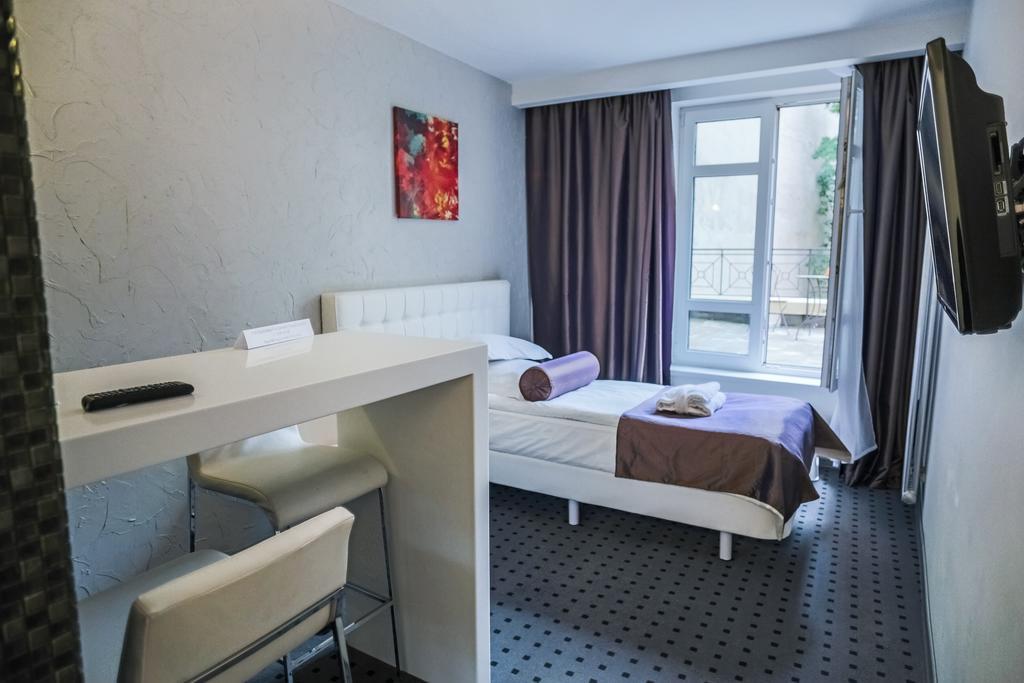 اگلایا هتل سن پترزبورگ