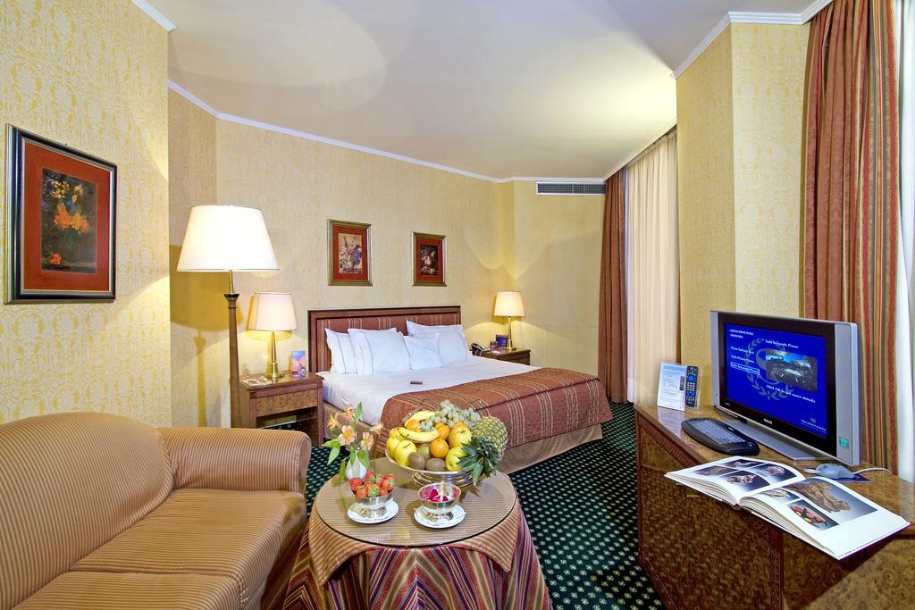 هتل برج فرودگاهی جنوا | Tower Genova Airport - Hotel & Conference Center