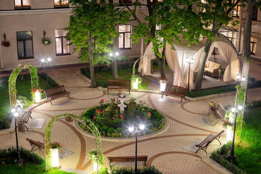 هتل برولوو مانشن سن پترزبورگ