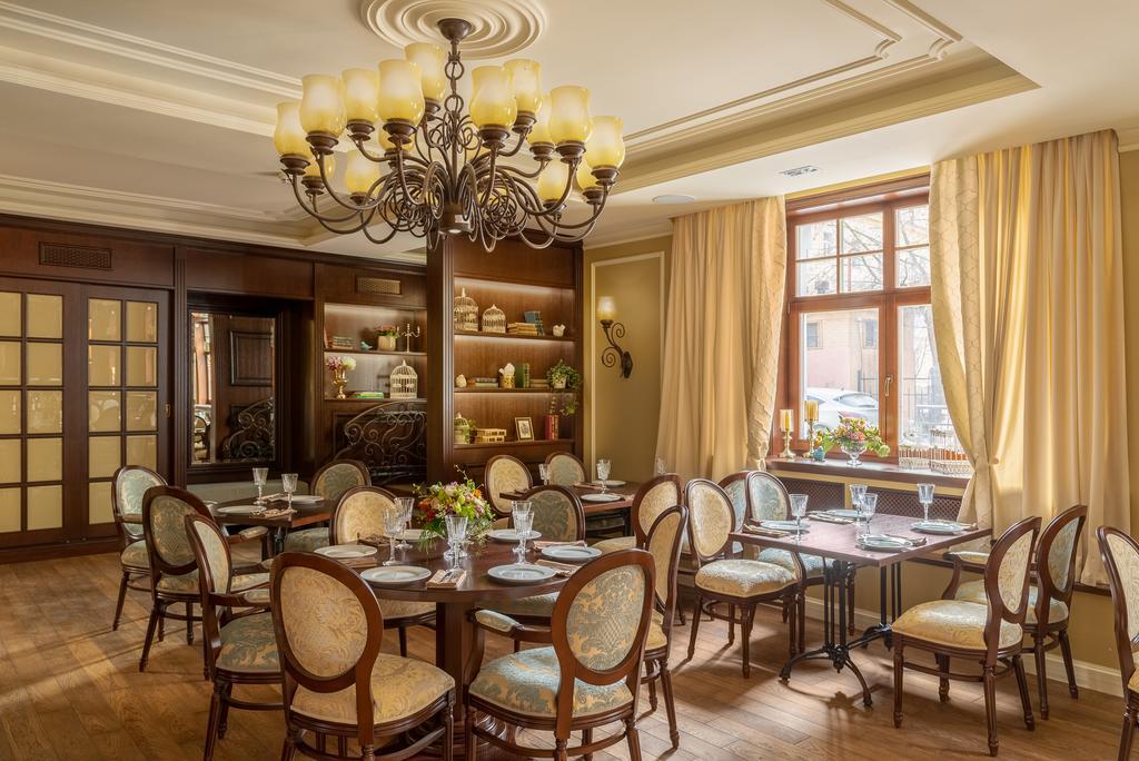 هتل گاردن استریت سن پترزبورگ