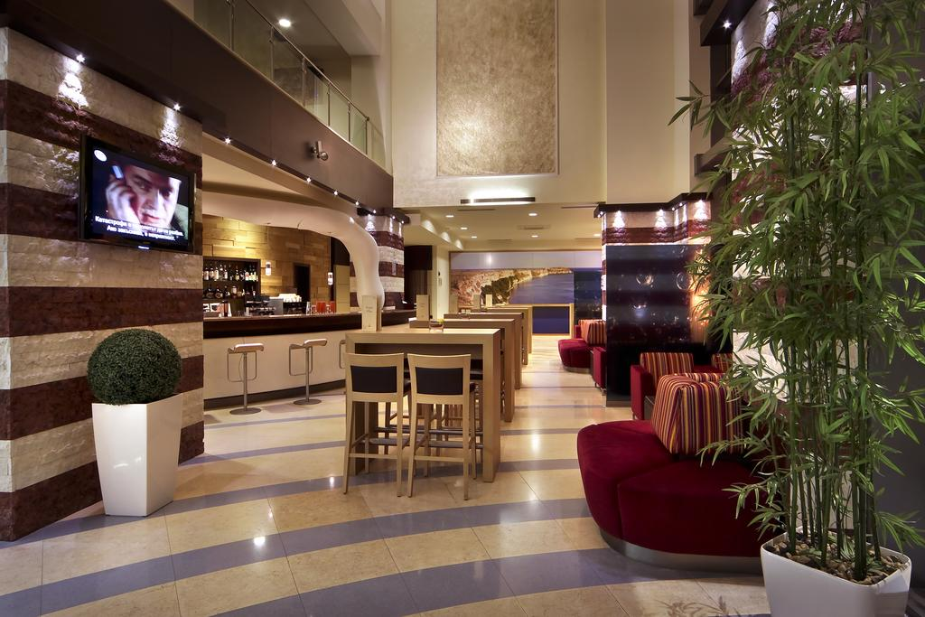 فلامینگو گرند هتل وارنا