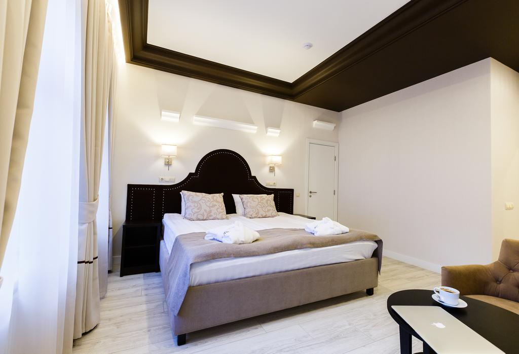 هتل دالیسی سن پترزبورگ