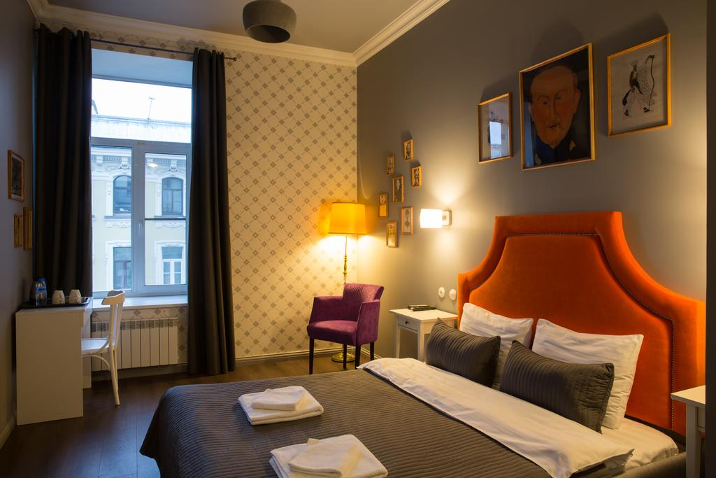 هتل آفنباچر سن پترزبورگ