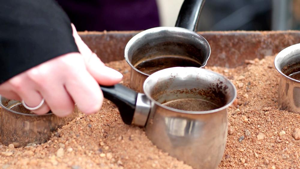 نوشیدن قهوه ترک