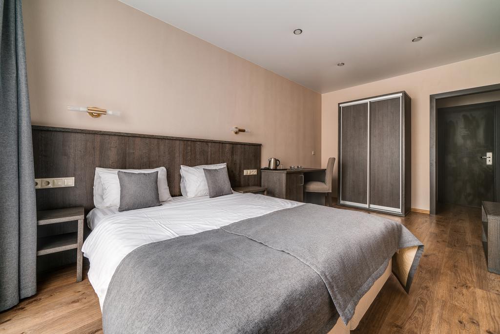 هتل سارسکایا استولیتسا سن پترزبورگ
