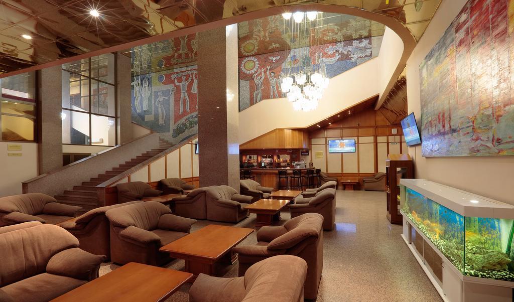 هتل مولودیوژنی مسکو