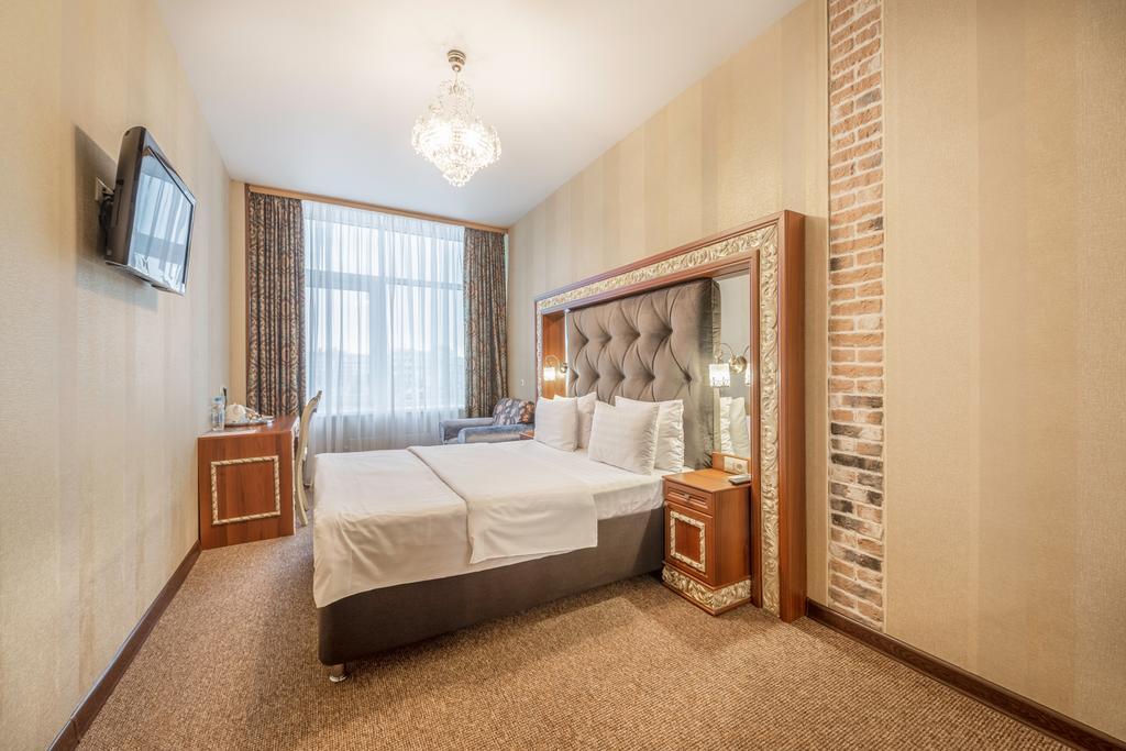 گرند هتل بلورسکایا مسکو