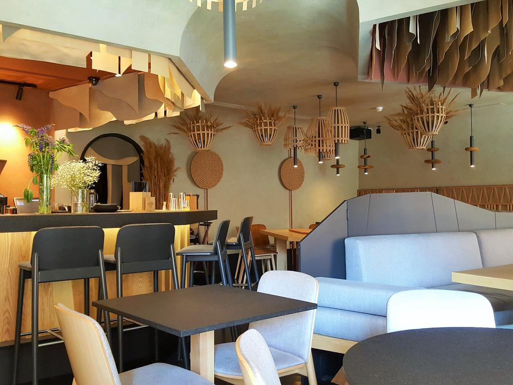 هتل کلایدوسکوپ آن رابینستون 13 سن پترزبورگ