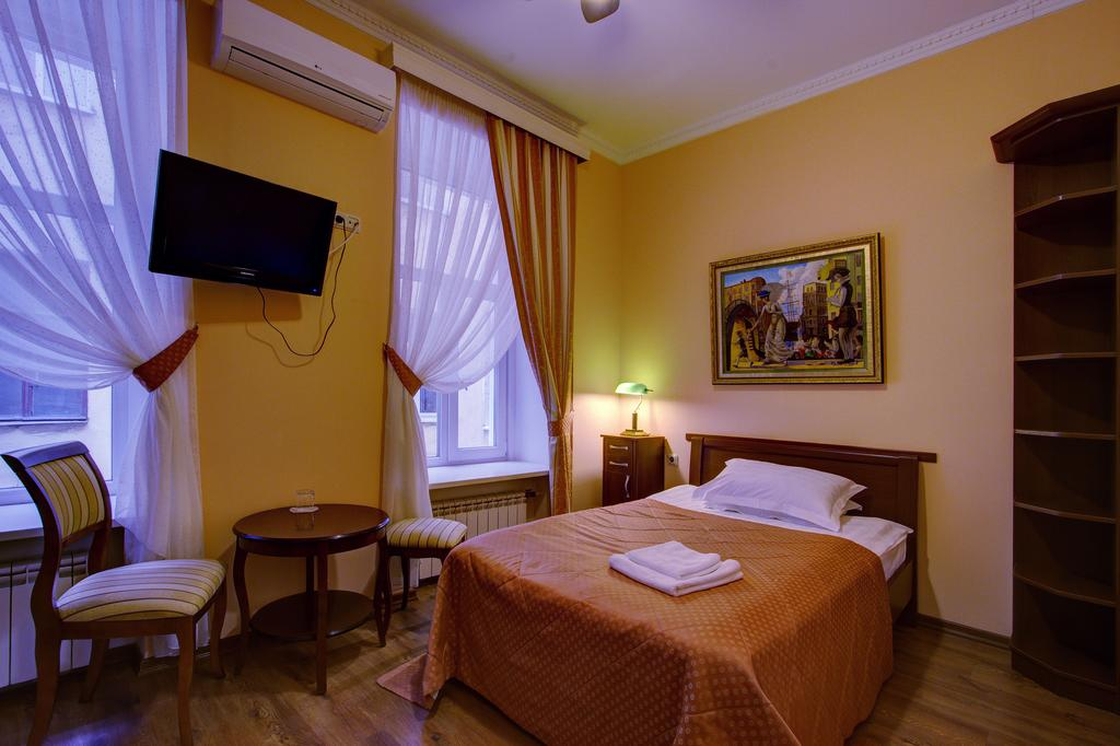 هتل پیترسکایا کلاب سن پترزبورگ