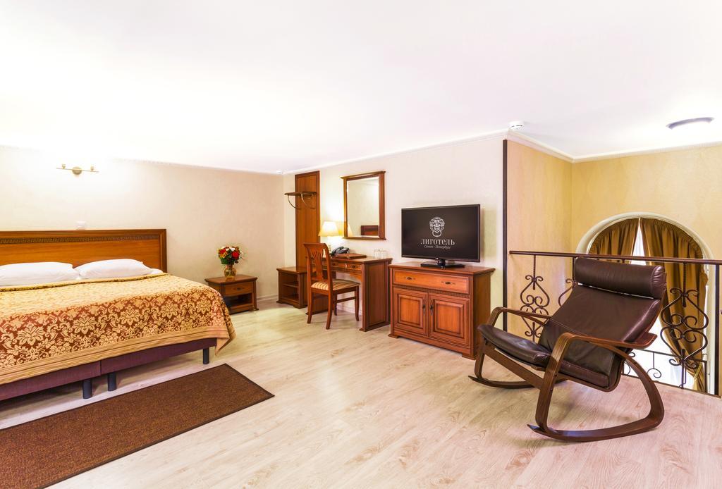 هتل لیگوتل سن پترزبورگ