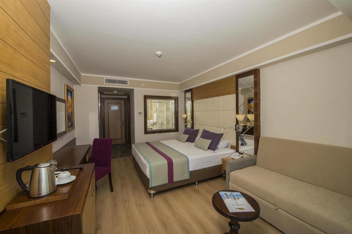 هتل دریم ورد ریزورت آنتالیا