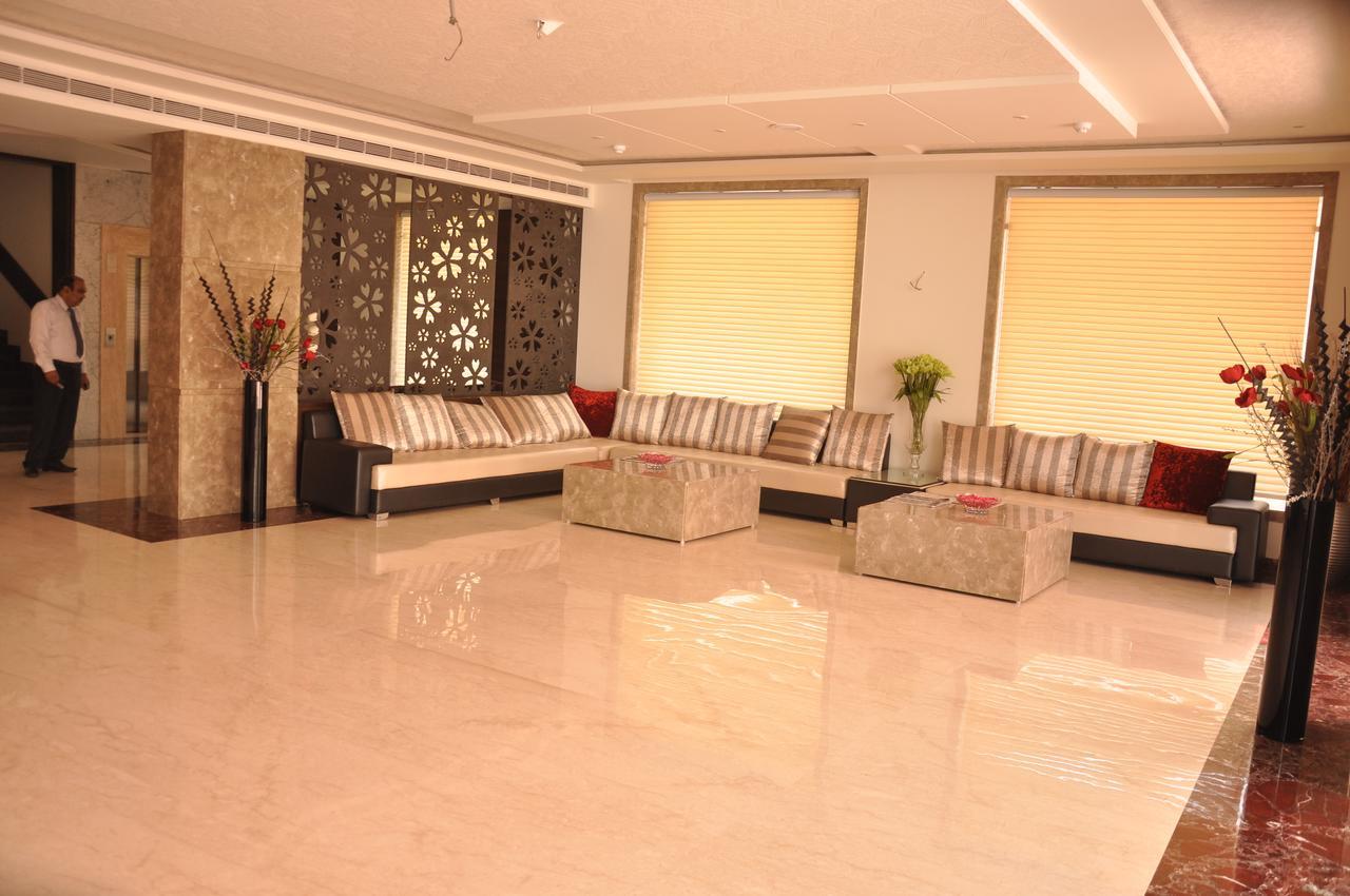 هتل د تاج ویلاز آگرا