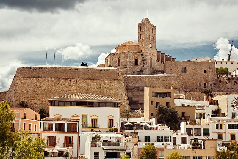 دالت ویلا یا شهر قدیمی ایبیزا