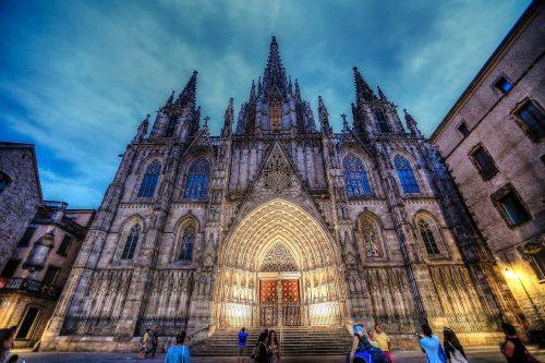 نکاتی جالب درباره کلیسای جامع بارسلونا