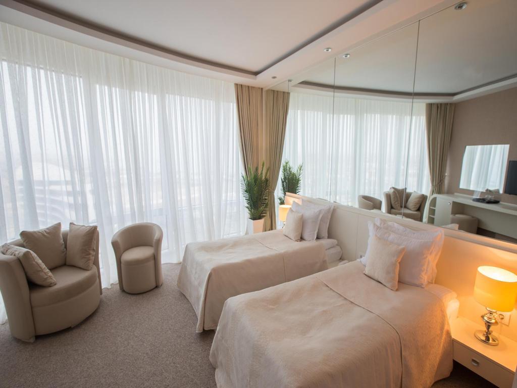 هتل قفقاز ساحیل باکو