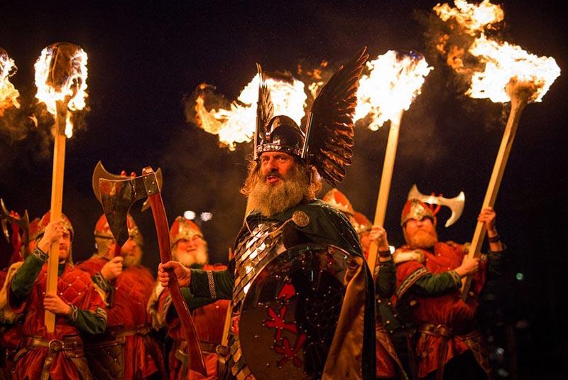 جشنواره آتش وایکینگ ها اسکاتلند