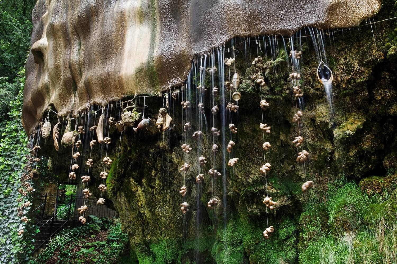 آبشار و غار شیپتون انگلستان