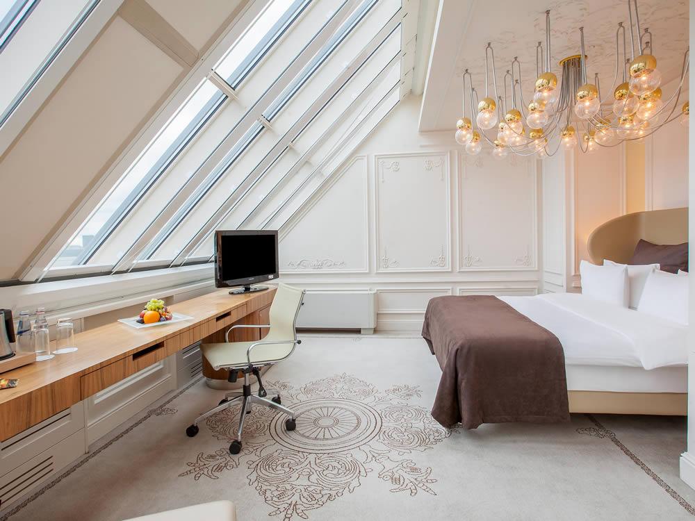 هتل اینترکنتینانتال مسکو