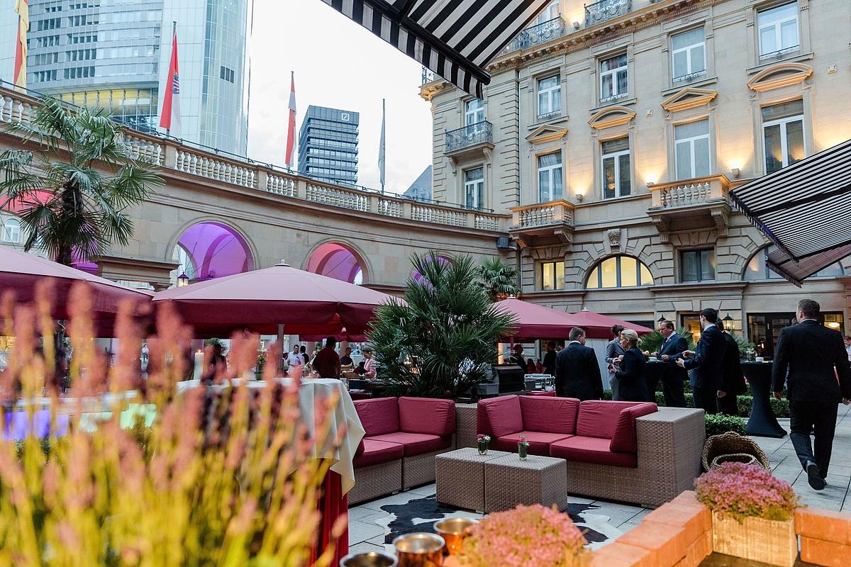 هتل اشتایگنبرگر فرانکفورتر هوف فرانکفورت