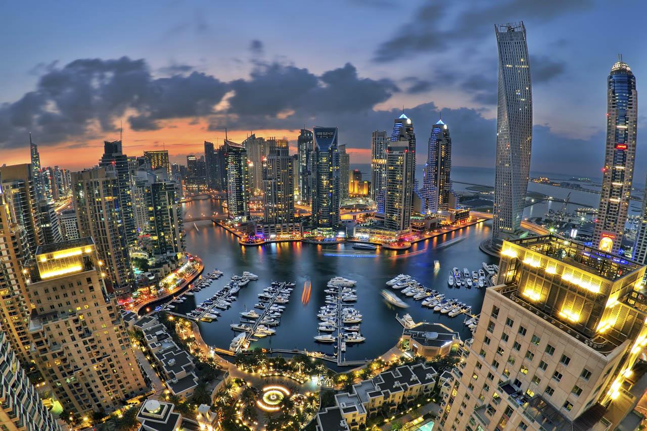 امارات کشور عجیبی است