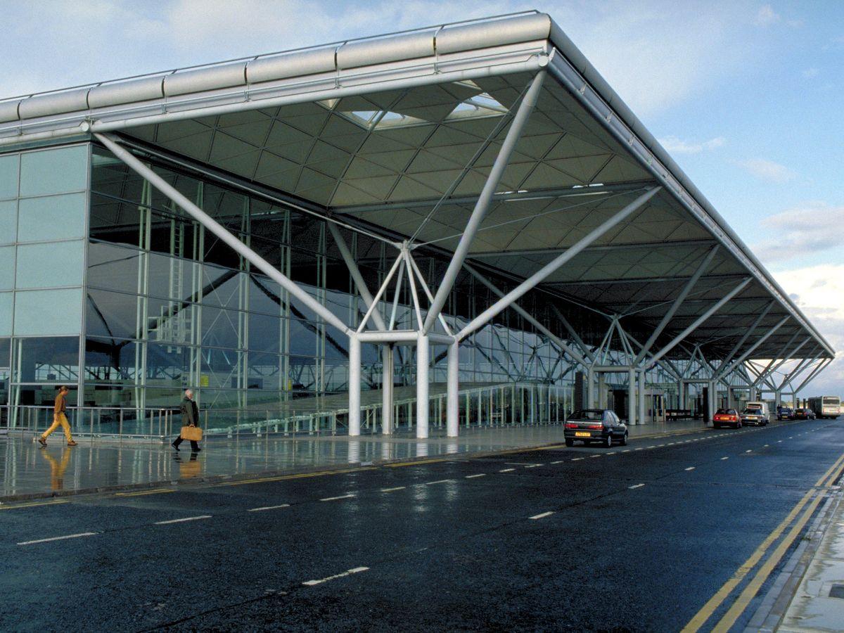 فرودگاه بین المللی استانستد لندن