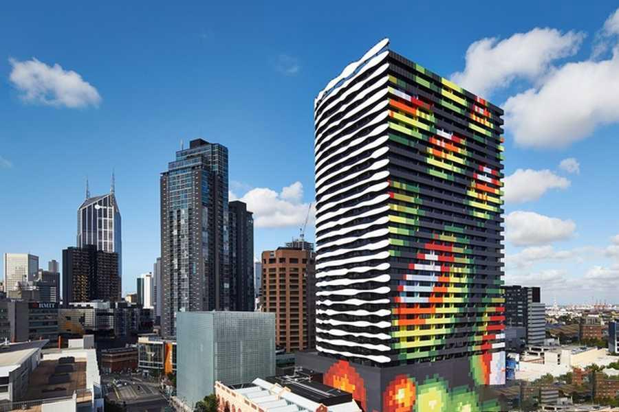 ساختمانی با نمای یک چهره در ملبورن