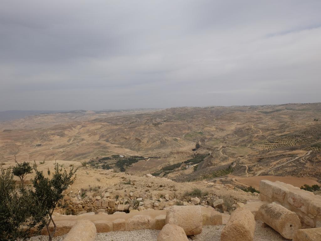 کوه نبو در مادبا