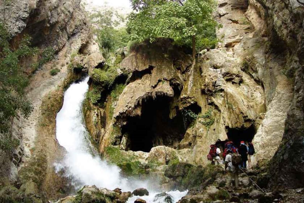 آبشار آتشگاه لردگان