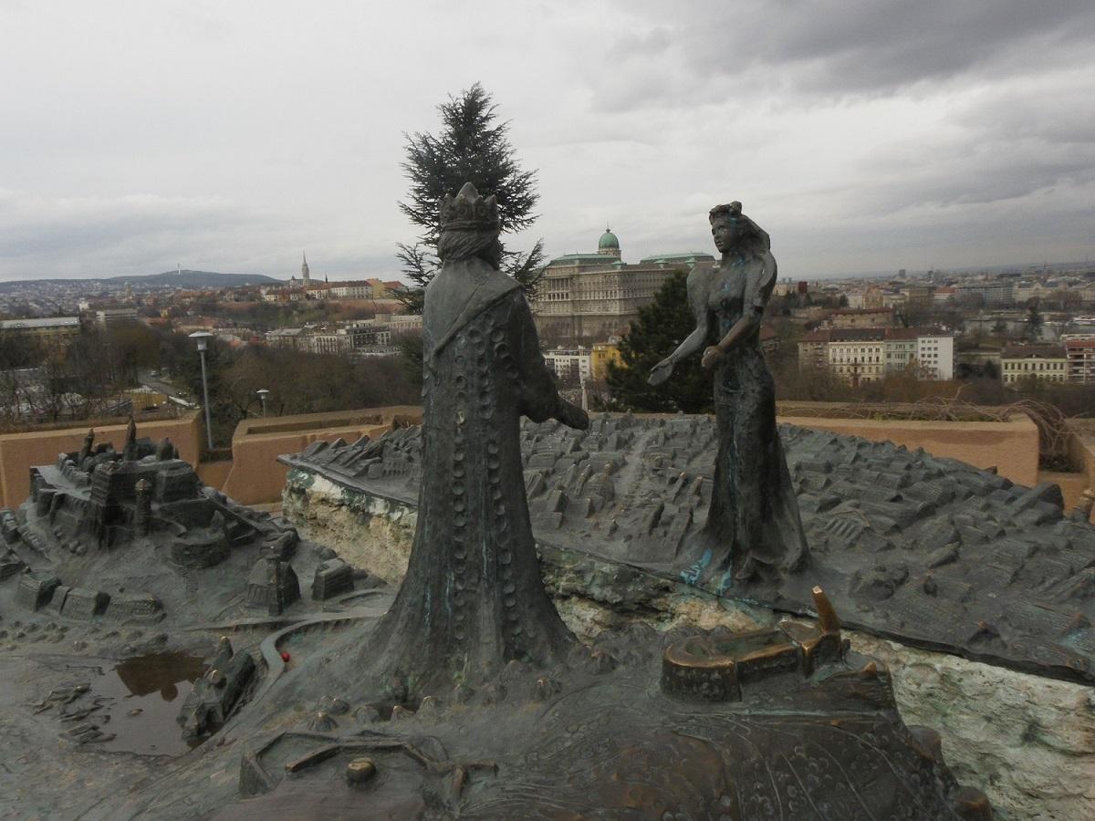 در سفر به بوداپست حتما به تپه گلرت بروید