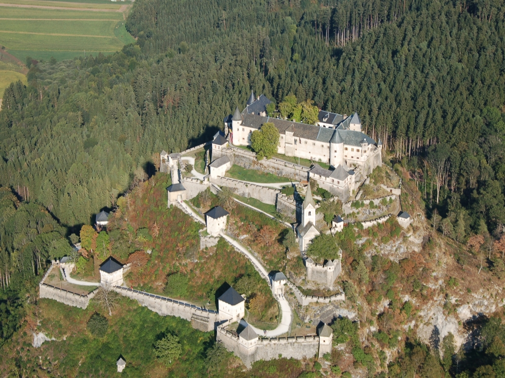 قلعه هوچوسترویتز