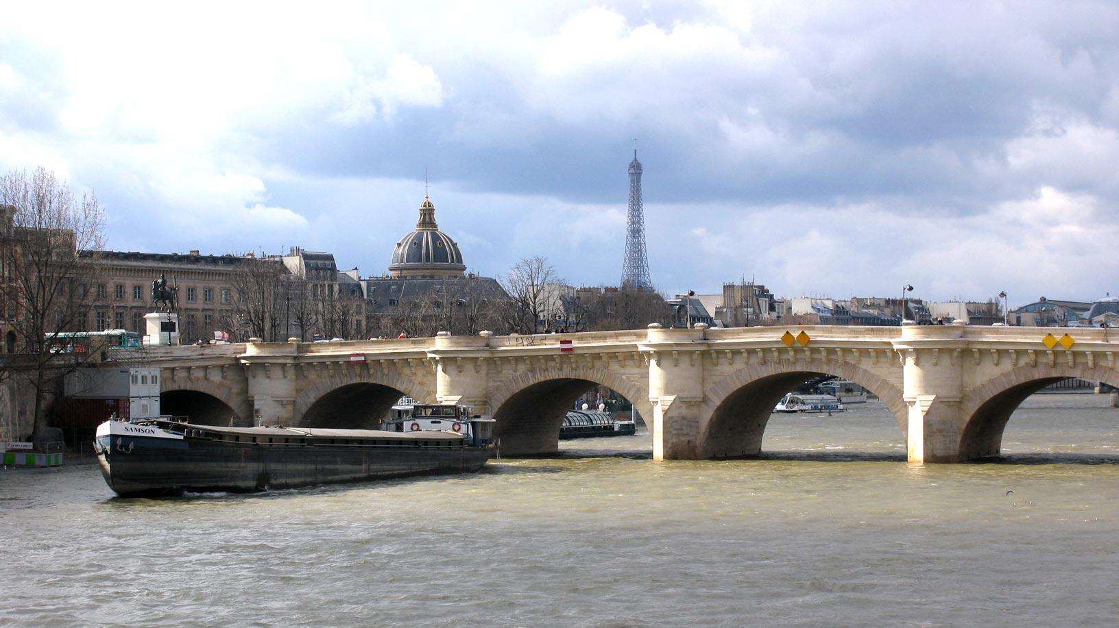 پل نئوف پاریس