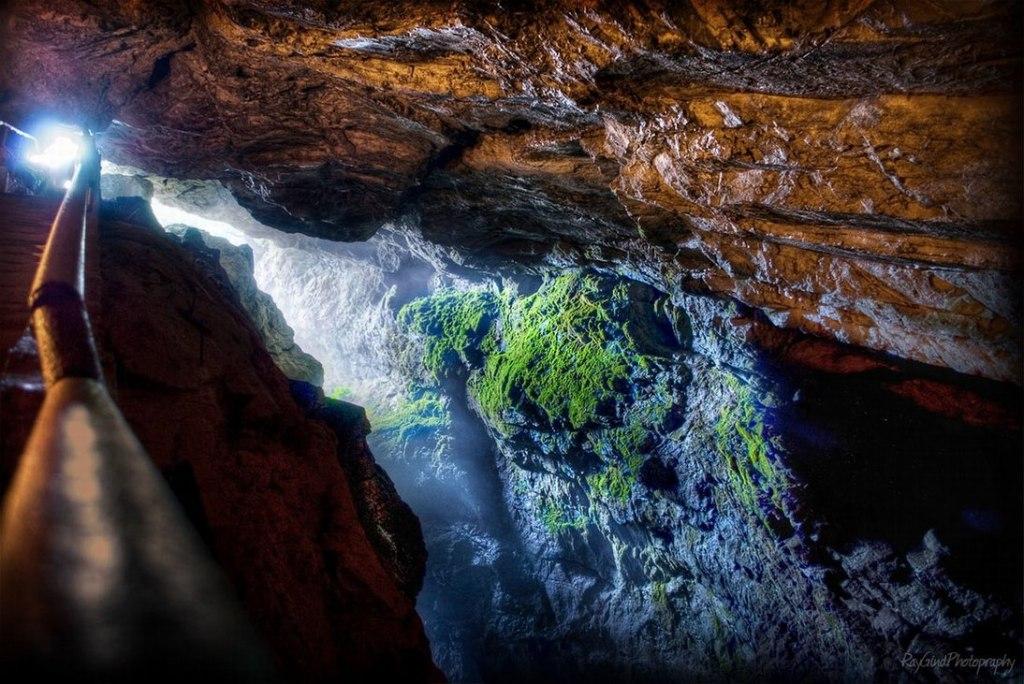غار گلوی شیطان بلغارستان