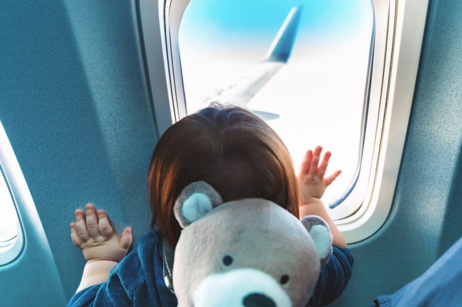 نوزاد در هواپیما